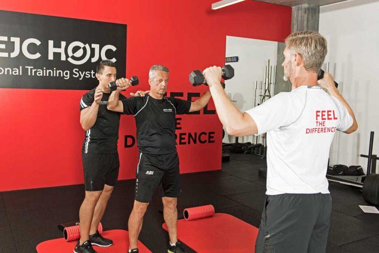 External Rotation Schulterschmerzen Übungen im Stehen