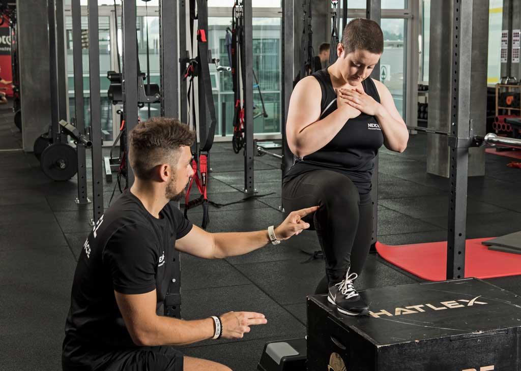 Übung gegen Knieschmerzen zur Steigerung der Kniemobilität