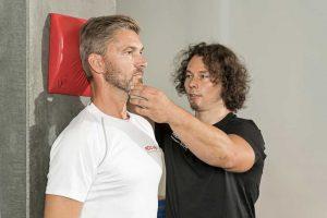 Übung für den Nacken zur Extensionsmobilisation der BWS